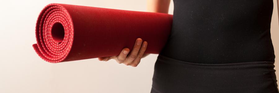 Yoga med fokus på maven